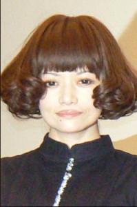 広田レオナ